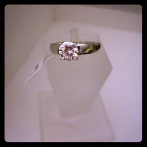 (NWT) Promise Love Ring